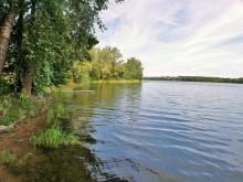 Oaza spokoju - działka z własną linią brzegową jeziora Okmin.