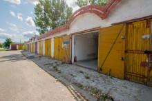 Sprzedam garaż przy ul.Reja 66/70, od zaraz.