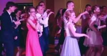 Studniówka 2017. ZS CKR w Suwałkach na balu w hotelu [wideo i zdjęcia]