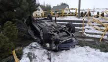Rutka-Tartak. Po dachowaniu samochodu dwie osoby ranne [zdjęcia]