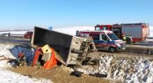 Po wypadku w Olecku. Kierowca stracił panowanie podczas wyprzedzania