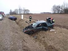 Wypadek w Żarnowie. Trzy osoby ranne, w tym dwoje dzieci [zdjęcia]