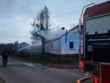 Pożar domu koło Bakałarzewa. Dwie osoby straciły dach nad głową