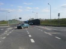 Zderzenie dwóch osobówek na obwodnicy Olecka. Dwie kobiety trafiły do szpitala