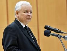 Obecni wójtowie i prezydenci mogą kandydować. Jarosław Kaczyński: dwie kadencje jeszcze nie teraz
