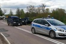 Wypadek na trasie Olecko- Ełk. Dwie osoby w szpitalu