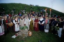 Noc Świętojańska. Nasięźrzał, naga kobieta i wianki w Turtulu, Augustowie, Puńsku i na Litwie