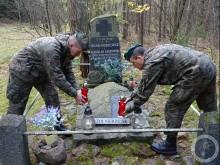 Dwunasty batalion lekkiej piechoty: Oddajemy hołd bohaterom [zdjęcia]