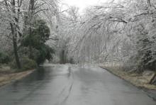 W nocy i rano popada marznący deszcz ze śniegiem. Bądźcie ostrożni w drodze do pracy i szkół