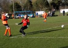 Piłka nożna kobiet. RESO Akademia 2013 – Tur MOSiR w środę