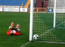 Piłka nożna kobiet. Zawodniczki  RESO Akademii 2012 płacą frycowe