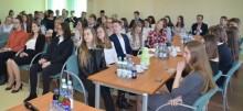 Najlepsi uczniowie z powiatu suwalskiego otrzymali stypendia [zdjęcia]