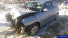 Gołdap. Kobieta straciła panowanie nad samochodem i uderzyła w drzewo