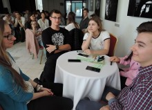 Młodzież z II LO i ZS 4 na Forum Przedsiębiorczości w Olicie. Bogdan Topolski mówił o Blues Festival