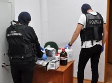 Akcja funkcjonariuszy KAS i policji. Tabletki gwałtu, narkotyki, materiały wybuchowe