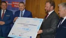 Minister zdrowia przed wyborami w Suwałkach. Pieniądze dla szpitali i pielęgniarek