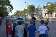 Bezpieczna droga do szkoły. Policjanci odwiedzają uczniów [zdjęcia]