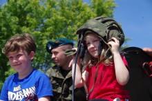 Suwalscy seniorzy i służby mundurowe dla najmłodszych [zdjęcia]