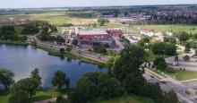 Boczne boiska na Zarzeczu i parking przy Olimpijskich Ogrodach. Szok cenowy na przetargach