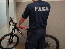 Siedział w krzakach z kradzionym rowerem