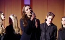 Suwałki. Młodzież III LO z Oddziałami Dwujęzycznymi zorganizowała koncert dla Bajki [zdjęcia]