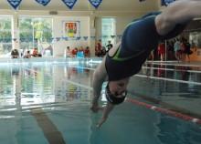 Pływanie. Niezły występ suwalskich pływaczek na MP U 16