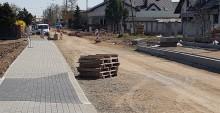 Krzywólka. Dawna wiejska droga zaczyna już wyglądać jak miejska ulica [zdjęcia]