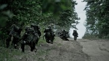 Przygotuj się na widok ludzi w mundurach w lesie. Terytorialsi na szkoleniu w Puszczy Augustowskiej