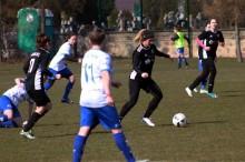 Piłka nożna kobiet. Suwalczanki tylko z honorowym golem w Piasecznie
