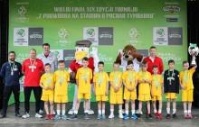 Drużyna SP 11 Suwałki w Finale Turnieju z Podwórka na Stadion o Puchar Tymbarku. Super przygoda