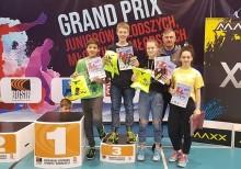 Pięć brązowych medali młodych badmintonistów SKB