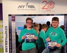 Jakub Szulc i Wojciech Szulc na półmaratonie w Nowym Jorku. Suwalczanie wśród 25 tysięcy biegaczy
