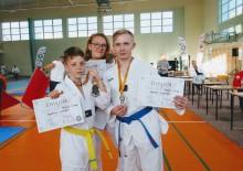 Zawodnicy Suwalskiego Klubu Taekwondo Huzar przywieźli z Białegostoku trzy złote medale