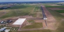 Lotnisko lokalne w Suwałkach. Pas startowy gotowy, czas na odbiory i pozwolenia