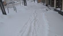 Zawieje i zamiecie od wczoraj do godziny 16. Śnieg pada i u nas [wideo i zdjęcia]