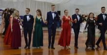 Studniówka 2019 w I LO w Suwałkach. Nie ma jak u siebie [zdjęcia]
