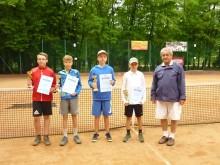 Tenis ziemny.  Suwalski debel trzeci w Olecku