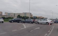 Niekończące się kolizje na skrzyżowaniu za Kauflandem. Tym razem karambol z udziałem policyjnego bmw