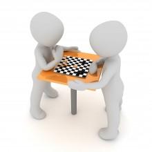 Szachy. Za nimi czwarta kolejka mistrzostw, w niedzielę online zagrają dla Hani