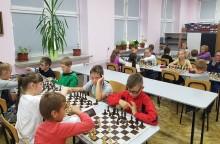 Szachy. Aż 31 ekip z Polski i Litwy rywalizowało w Suwalskiej Lidze Szkolnej