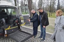 DPS Kalina ma samochód z windą do przewozu osób niepełnosprawnych