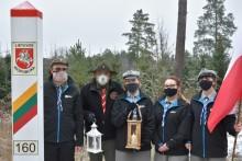 Suwalscy harcerze przekazali litewskim skautom Betlejemskie Światło Pokoju [zdjęcia]