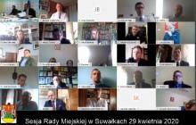 Zdalna sesja Rady Miejskiej w Suwałkach. Cztery godziny przy monitorach