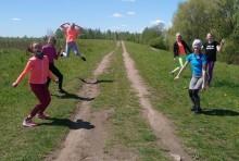 Lekkoatletyka dla każdego. Uczennice Szkoły Podstawowej nr 11 ćwiczą w czasach pandemii [zdjęcia]