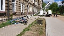 Wypadek przy pracy w Suwałkach. Mężczyźni spadli z wysokości 20 metrów
