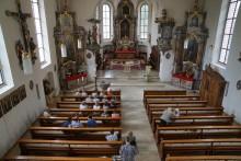 Kościół wobec koronawirusa. Dyspensa od mszy św., zawieszone pielgrzymki i bierzmowania
