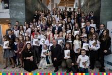 Marszałek wręczył stypendia artystyczne 140 uczniom. 16 z Suwałk i powiatu