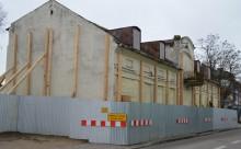 Kamienica przy ul. Waryńskiego 4. Zniknie z powierzchni ziemi? [zdjęcia]