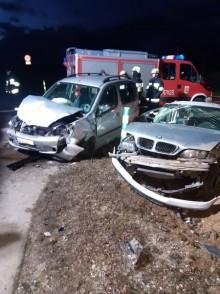 Wypadek w Rudnikach. Dwie osoby trafiły do szpitala