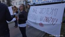 Szpital w Łomży wytypowany do walki z koronawirusem. Protesty i dymisja dyrektorki